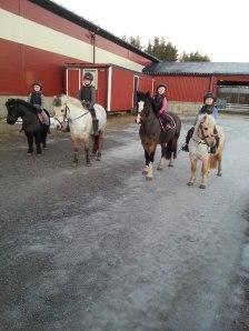 Alla barn på häst
